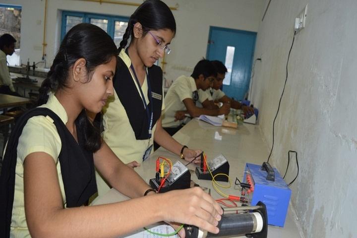 Fateh Public School-Physics Lab