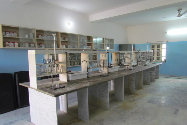 Global Indian International School-Chemistry Lab