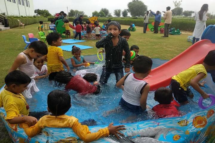 Global public school-Pool Party