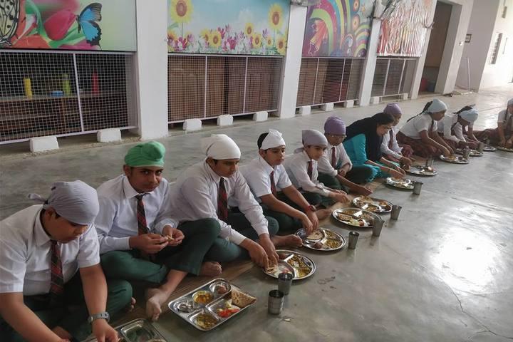 Golden Public School-Meals