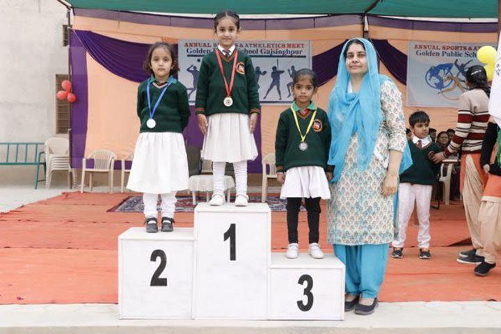 Golden Public School-prize1