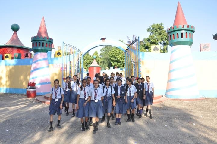 Gudha International School-Excurtion