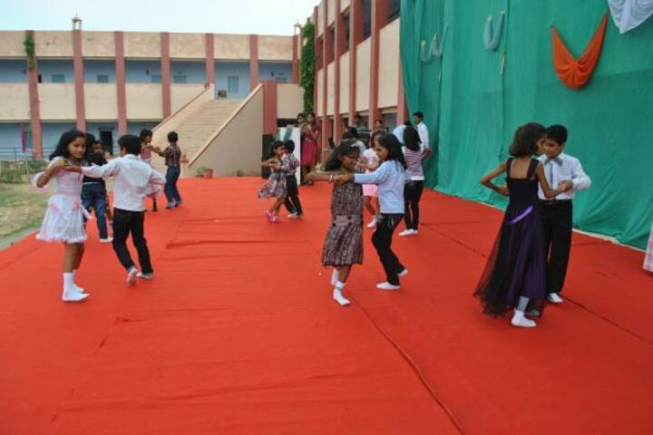 Gurukul B L Mohta Learning Institute-Dance performance