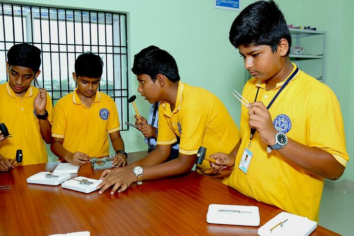 Avenues English Medium High School-Laboratory