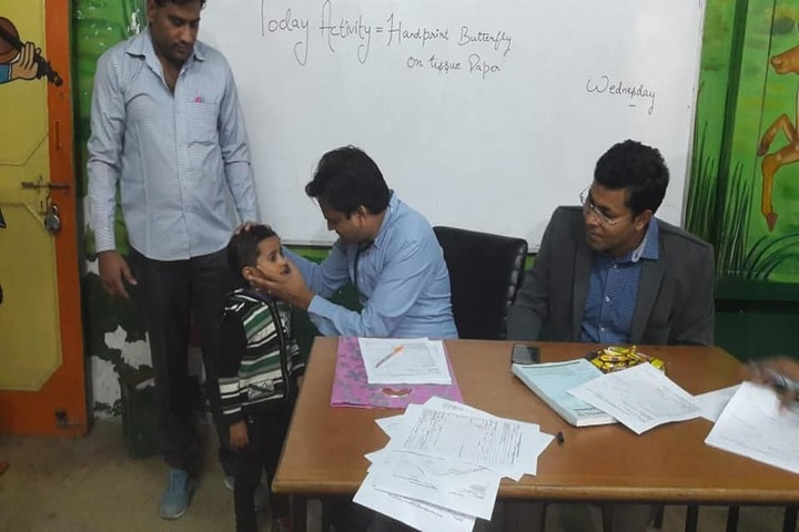 Hans International Senior Secondary School-Medical Checkup