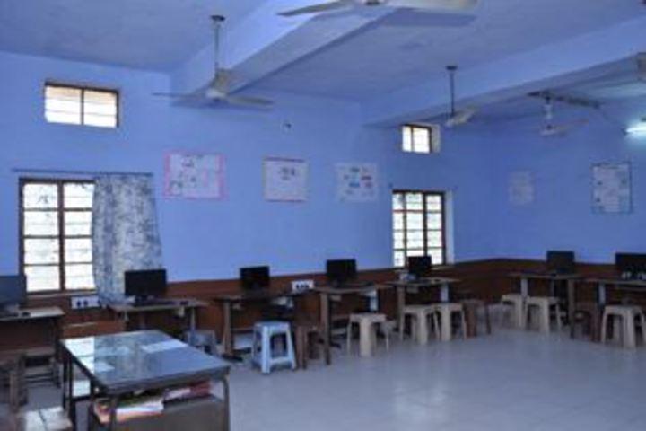 Happy Public School-Computer lab