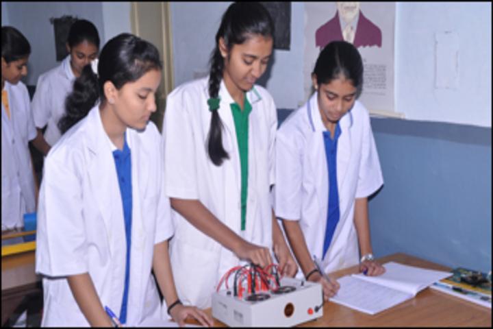 Hind Zinc School-Physics lab