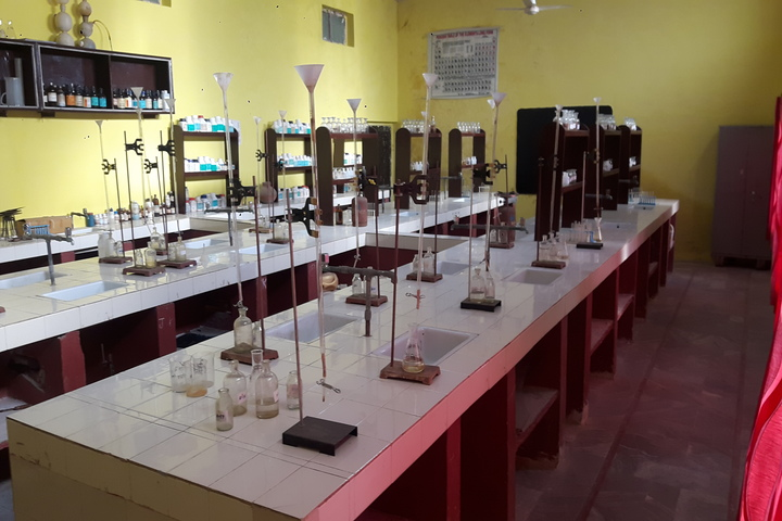 Holy Heights Convent School-Chemistry lab
