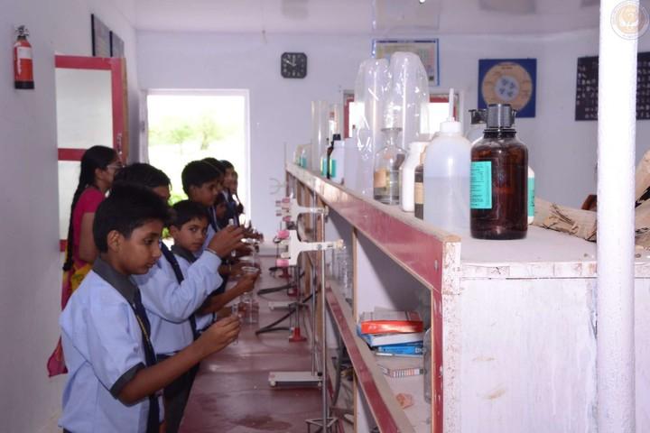 Hukum Chand Public School-Chemistry Lab
