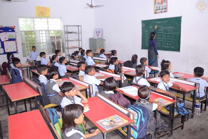 Hukum Chand Public School-Classroom