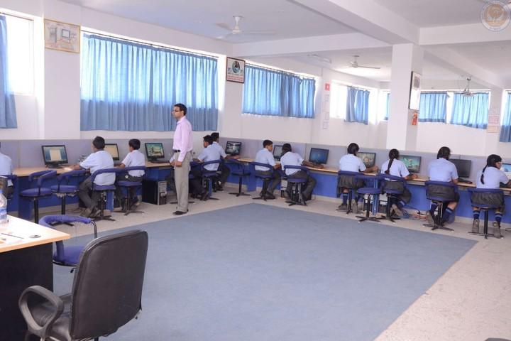 Hukum Chand Public School-Computer Lab
