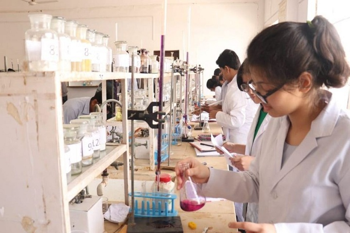 Kautilya Senior Secondary School-Science Lab