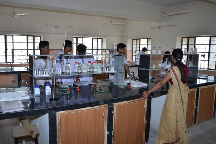 Laxmi Devi Mundra Public School-Chemistry Lab