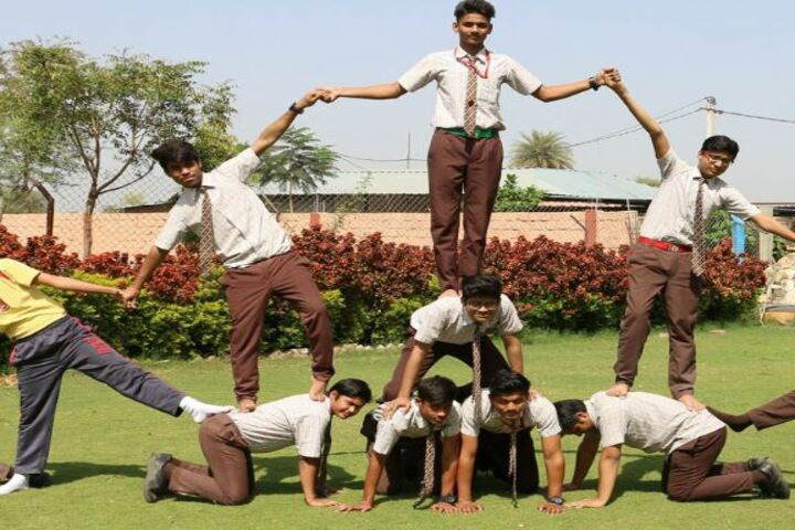Leo International School-Students