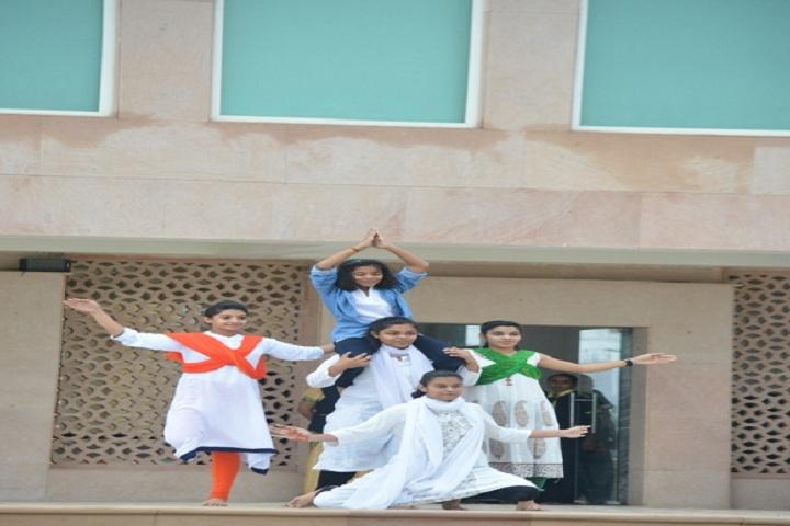 Lucky International School-Dances