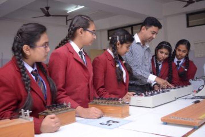 Maa Bharati Senior Secondary School-Physics Lab