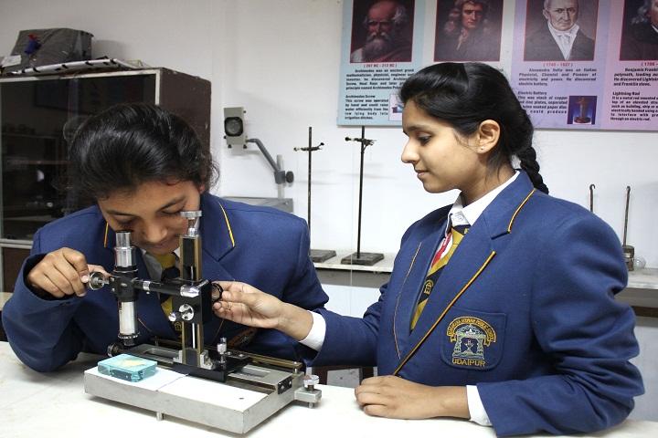 Maharana Mewar Public School-Science Lab