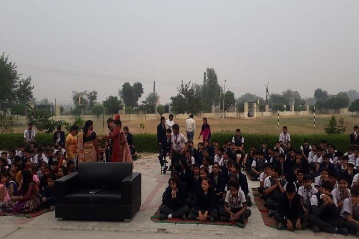 Maxford International School-Students