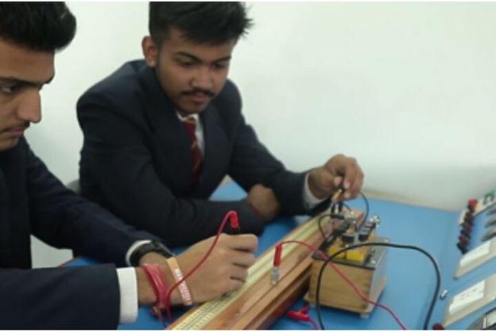 Mayoor Chopasni School-Physics Lab