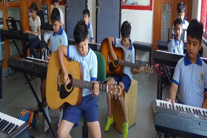 Mayoor School-Music class