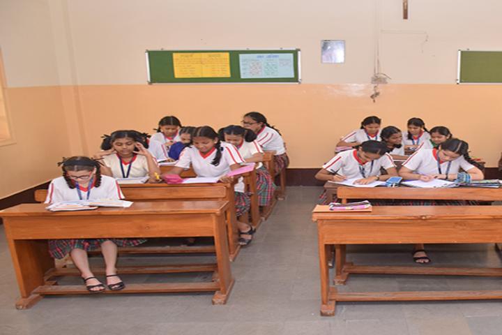 Auxilium Convent High School-Classroom