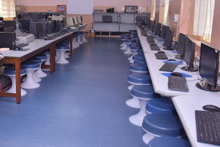 Auxilium Convent High School-Computer Lab