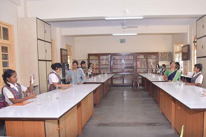 Auxilium Convent High School-Science Lab