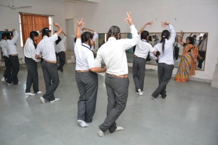 Modi Public School-Dance