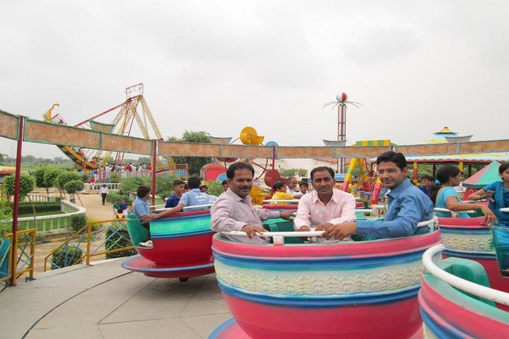 Mohta Public School-Picnic