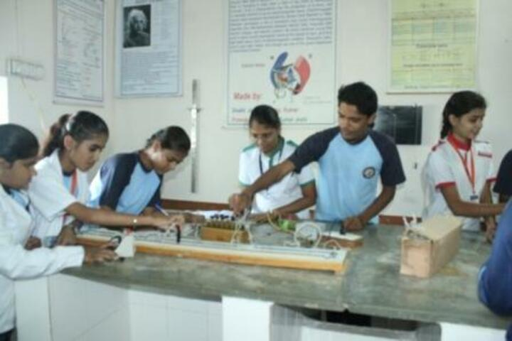 New Look Central School-Physics Lab