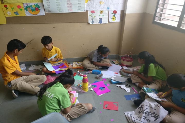 Paramlakshya World School-Art Class