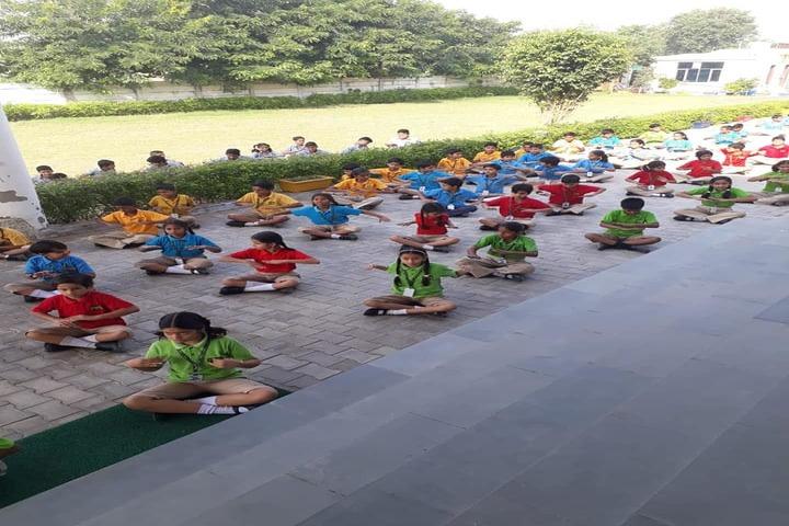 Paramlakshya World School-Yoga Day