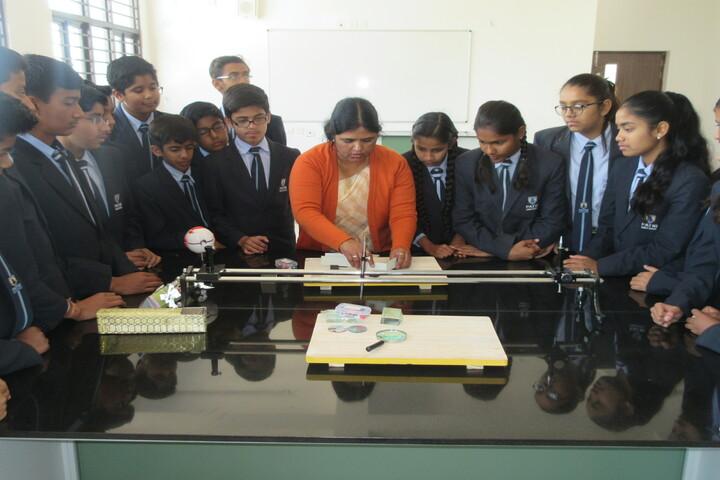Patni Public School-Physics lab
