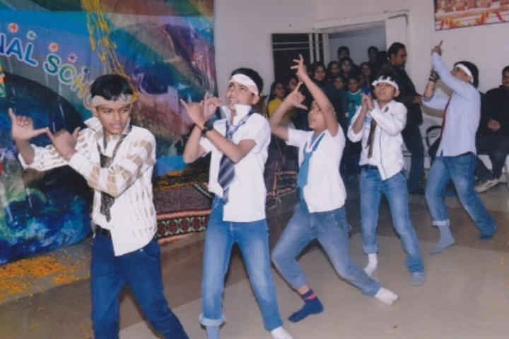 Pt Parsadi Lal International School-Dance
