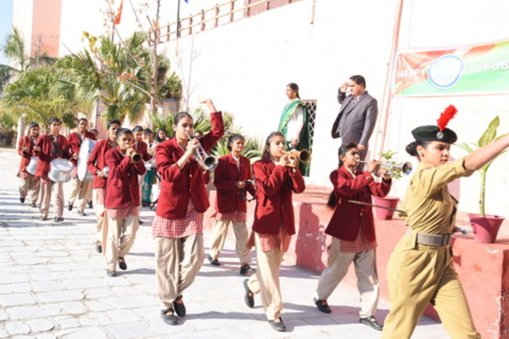 Queen Marys Girls School-Band Troop