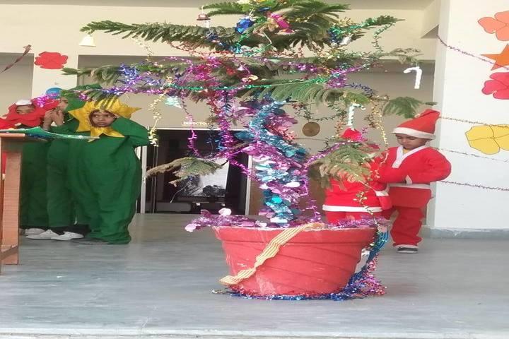 Queen Marys School-Christmas Celebrations