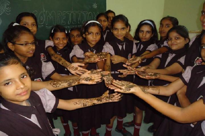 Raghav World School-Mehendi competition
