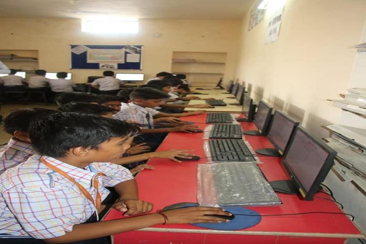 Rainbow Public School-Computer Lab
