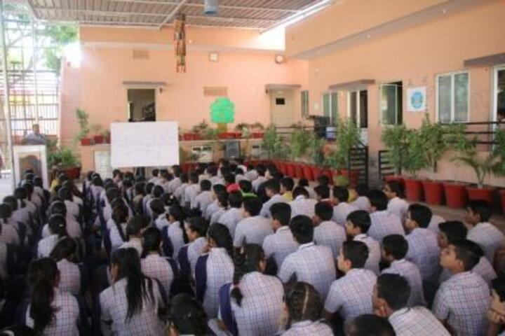 Rainbow Public School-Program