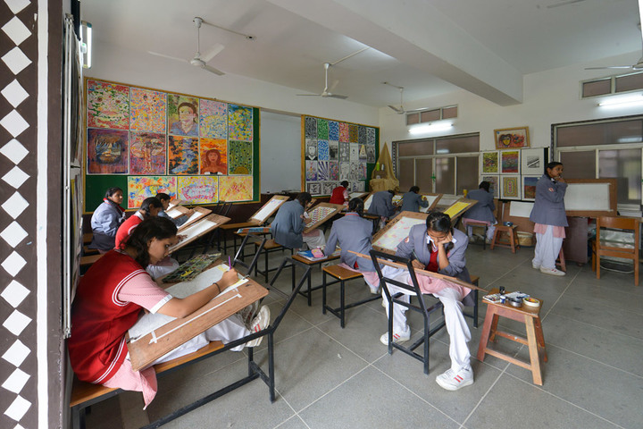 Rajmata Krishna Kumari Girls Public School-Art Room