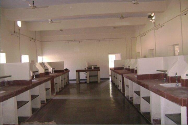 Rashtriya Military School-Science lab