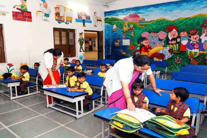 Rasiklal M Dhariwal Public School-Pre Primary Classrom