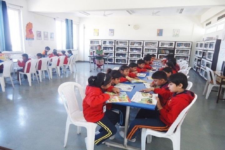 S R Global School-Library
