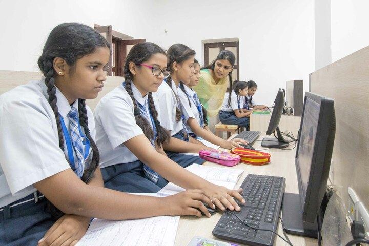 Sardar Doon Public School-Computer Lab