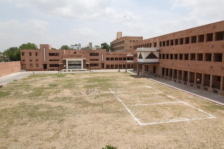Sardar Doon Public School-Play Ground