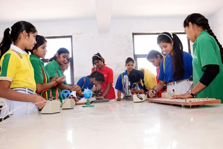 Sarvodaya Senior Secondary School-Science Lab