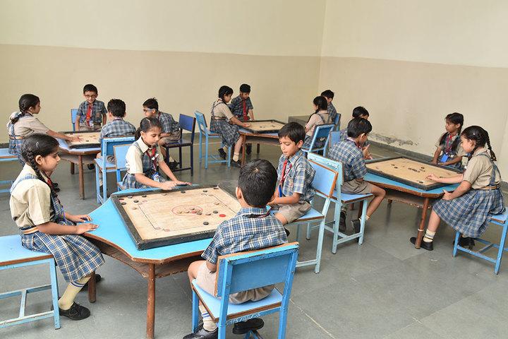Seedling Modern Public School-Indoor Games