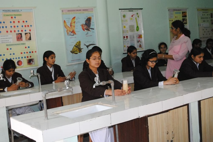 Shah Satmamji Girls School-Laboratory