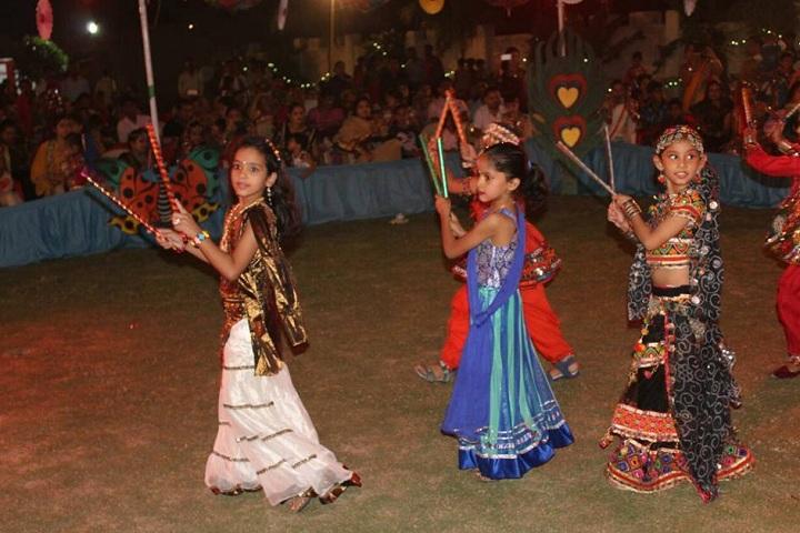 Shemford Futuristic School-Events dandiya