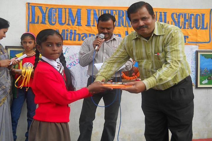 Lyceum International School-Prizes Distribution